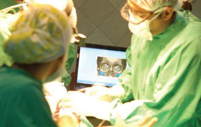Imágenes digitales, planificación virtual e impresión tridimensional para tratamientos combinados de ortodoncia y cirugía ortognática
