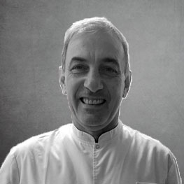 Dr. Gustavo Zanotti